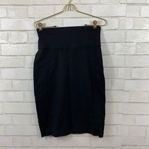 LULULEMON WOMENS BLACK MIDI SKIRT SIZE 8